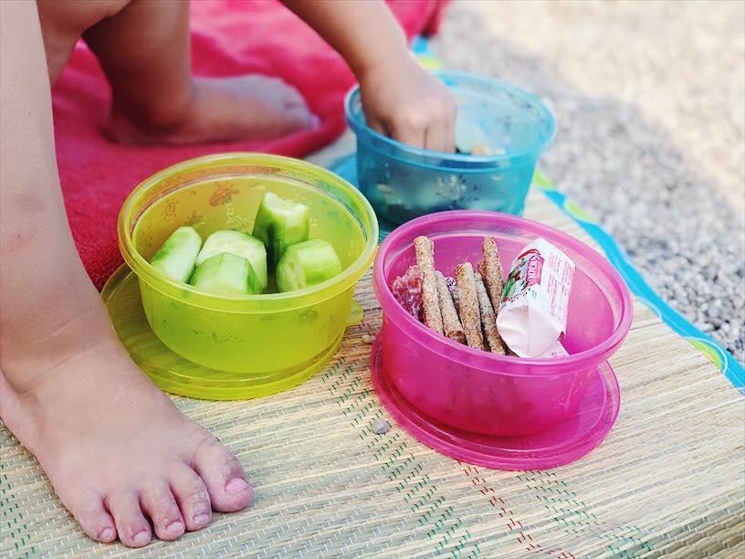 Sicherer Trink- und Essspaß mit nip Kindergeschirr Snackboxen