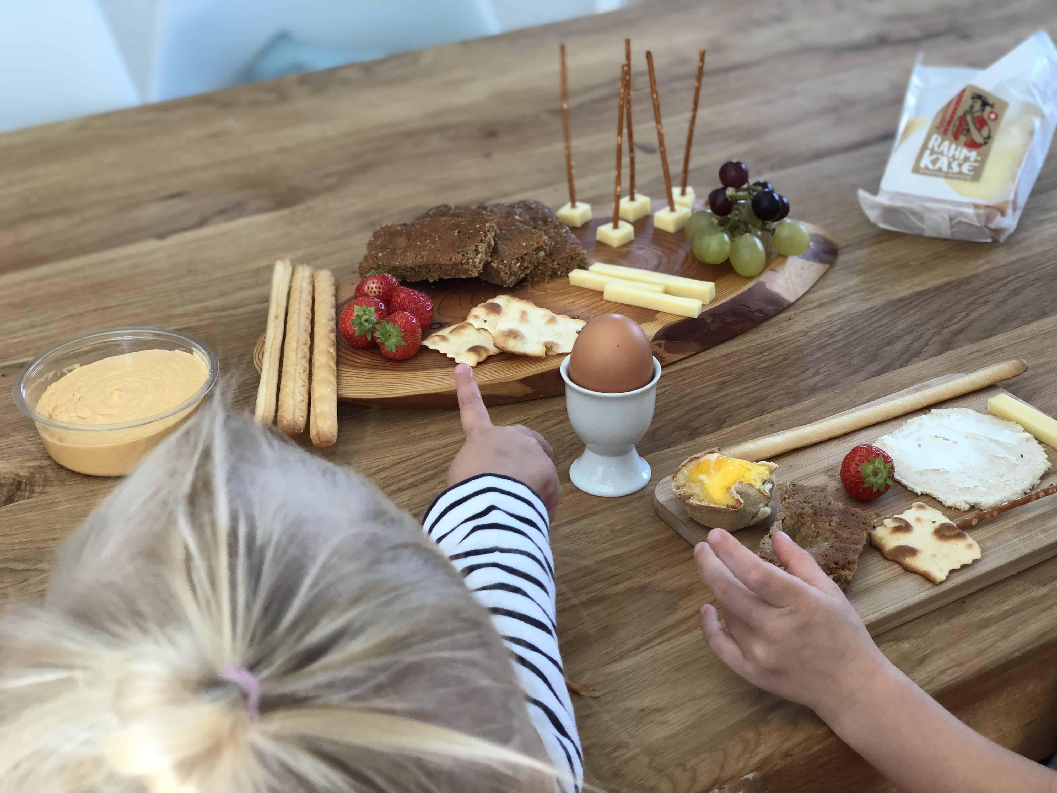 Warum das gemeinsame Familienessen so wichtig für Kinder ist - mit Appenzeller® Rahmkäse Familienbrunch