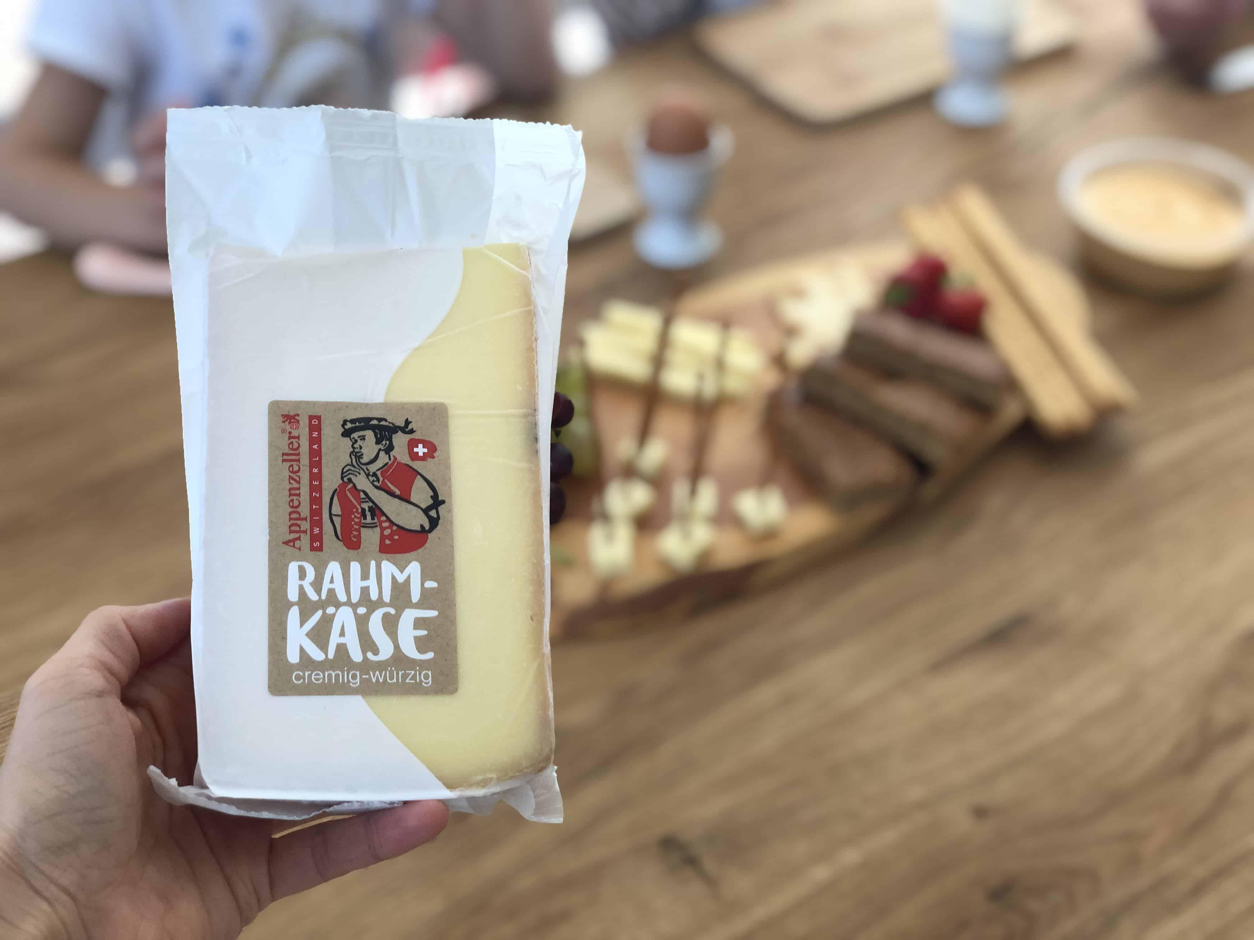 Warum das gemeinsame Familienessen so wichtig für Kinder ist - mit Appenzeller® Rahmkäse Käse