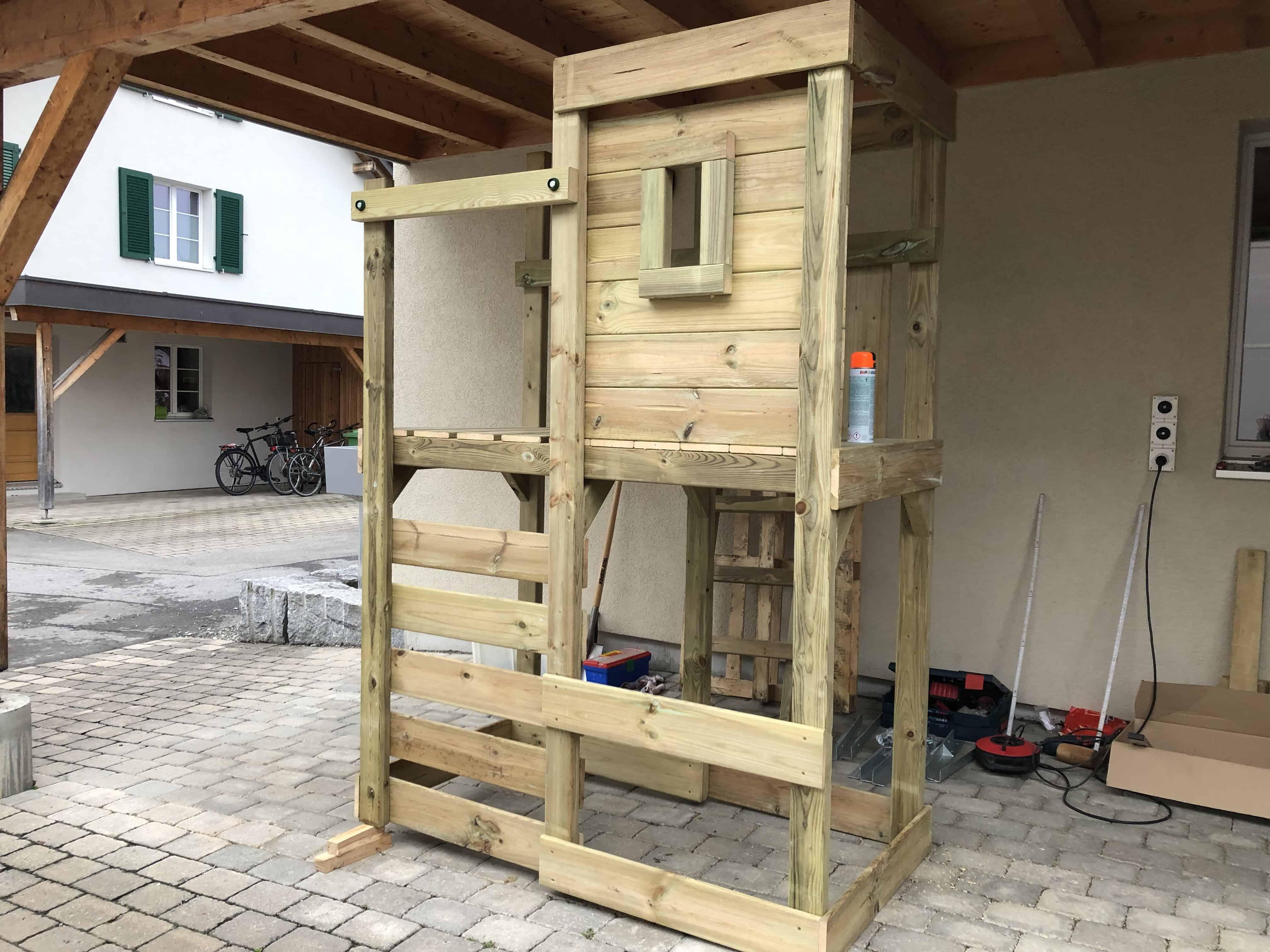 Ein Spielturm für zwei Kleinkinder - der Royal Flyer von Wickey Aufbau Turm